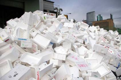 styrofoam_food_packaging_pile-jpg-650x0_q70_crop-smart